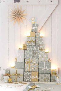 arbol de navidad con cajas